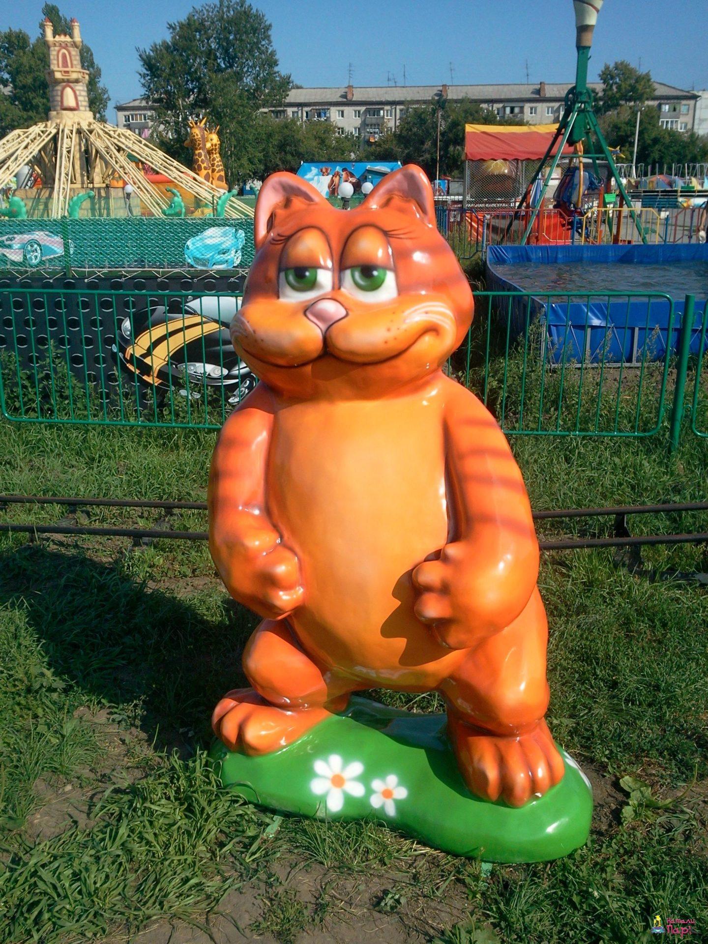 Фигуры из стеклопластика в России